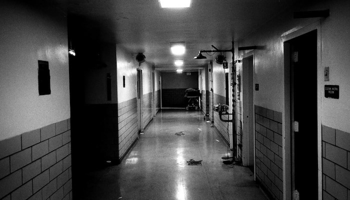 creepyhospital_hall