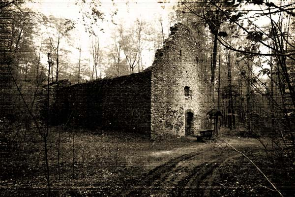 Photo of Gruseliger Lost Place in Bayern – Spukt es in der Uhlberg-Kapelle?